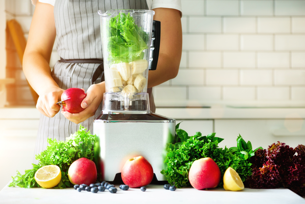 BLENDING AND JUICING FOR FEMALE HEALTH